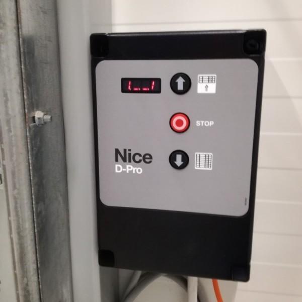 Monta-Nice-z-serii-mechanicznych-napdow-SD-4-centrala-sterujca